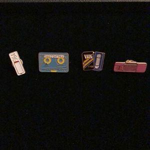 Jewelry - Retro pins